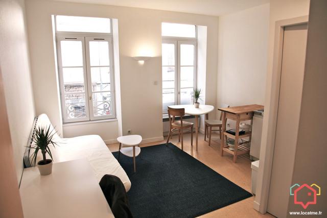 studio meubl lyon de 18m2. Black Bedroom Furniture Sets. Home Design Ideas