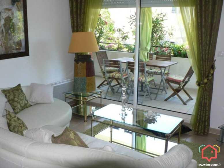 appartement non meubl marseille de 67m2. Black Bedroom Furniture Sets. Home Design Ideas