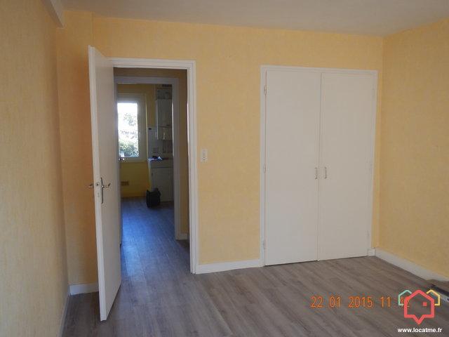 logements louer gourin 56110 entre particulier. Black Bedroom Furniture Sets. Home Design Ideas
