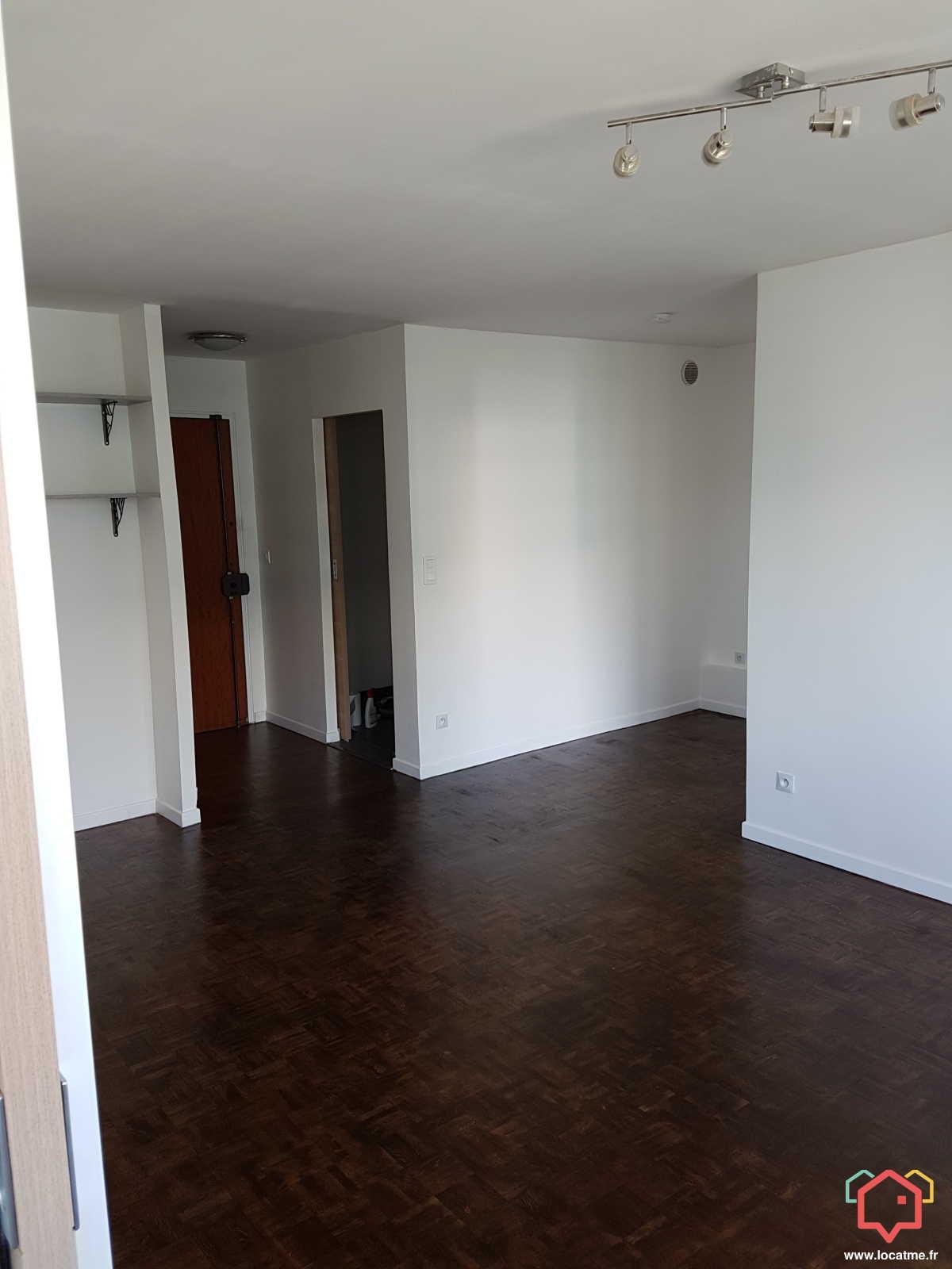 Appartement Non Meublé à Louer à Courbevoie