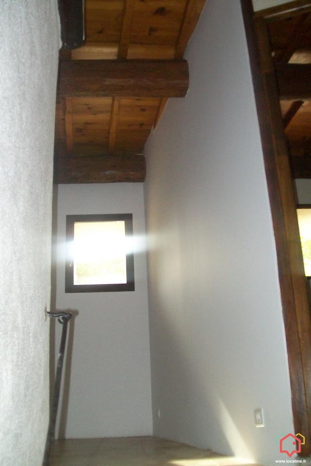 location de logements gard 30 de particulier particulier. Black Bedroom Furniture Sets. Home Design Ideas