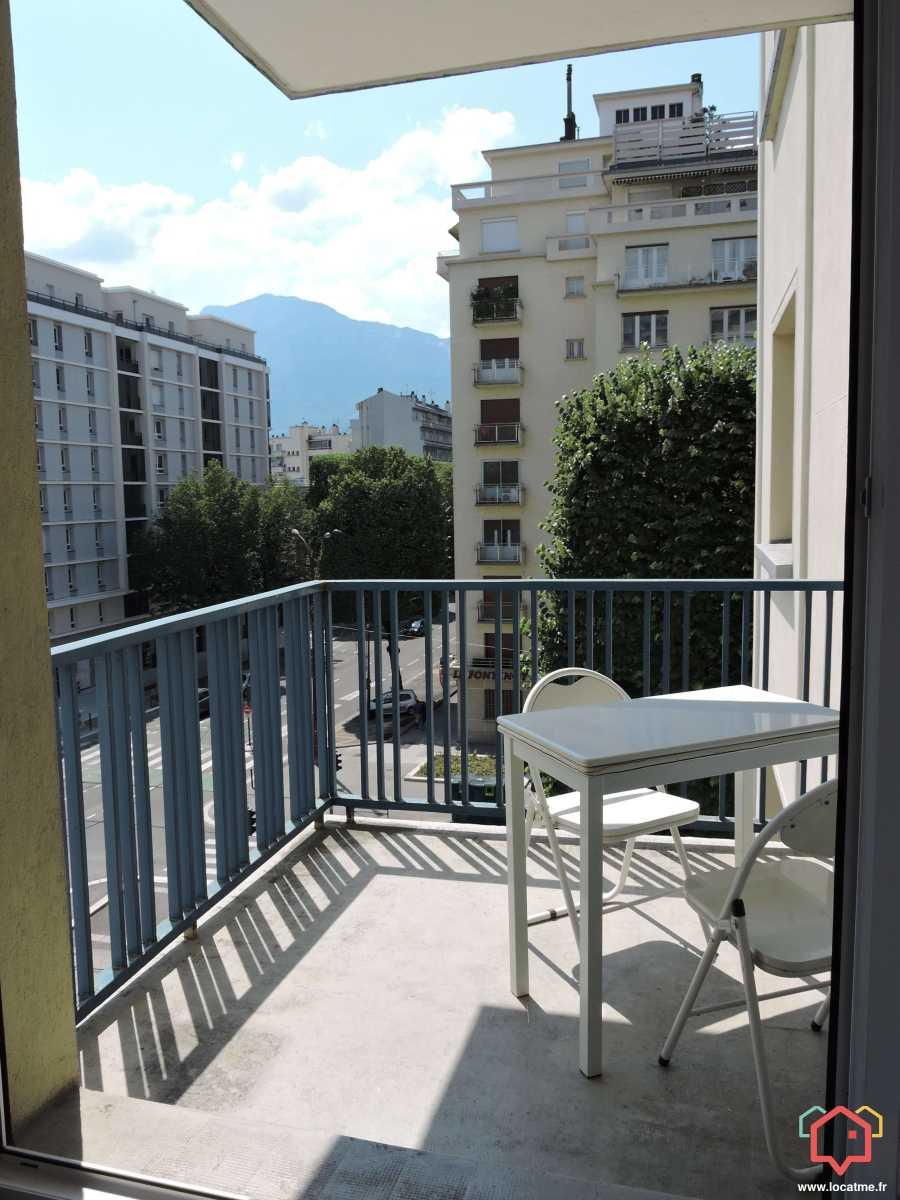 Location Studio Non Meublé Entre Particulier à Grenoble
